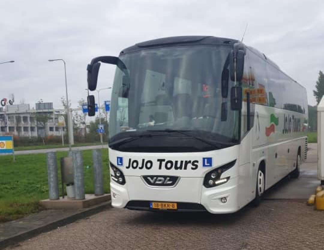 Lesbus-JoJo-Tours