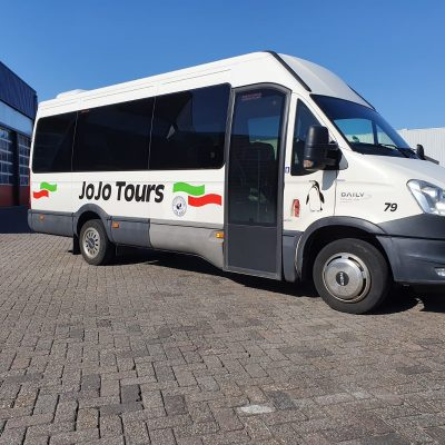 16-persoons minibus